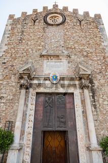 portal of Duomo di Taormina