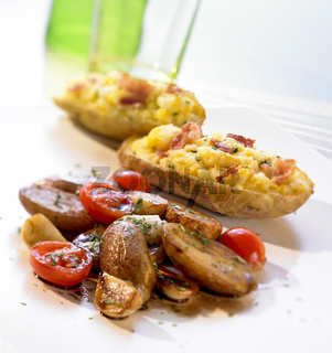 Gefuellte Kartoffeln und Balsamico-Kartoffeln