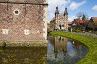 Raesfeld - moated castle and chapel
