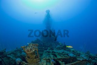 Reste der Luftabwehr und Turm des U-Bootes USS Apogon