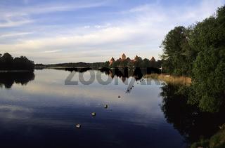 Litauen, gotische Wasserburg Trakai, Insel im Galves See