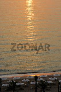 Die Morgensonne am Golf von Oman