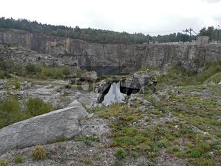 Granit-Steinbruch im ehemaligen KZ Gross-Rosen