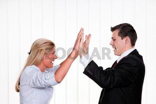 Erfolgreiche Geschäftspartner bei give me 5