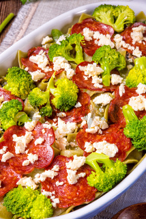 Pasta casserole with chorizo ​​sausage and broccoli