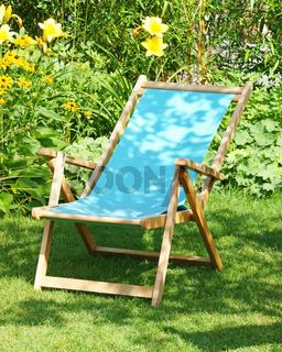 Entspannung im Garten mit Liege