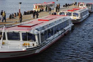 Boats on River Alster, Hamburg, Germany, Alsterschiffe auf der Binnenalster, Hamburg, Deutschland