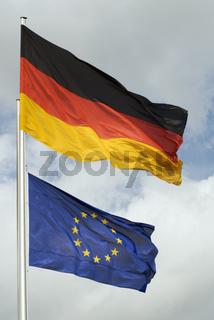 Deutsche und EU Flaggen