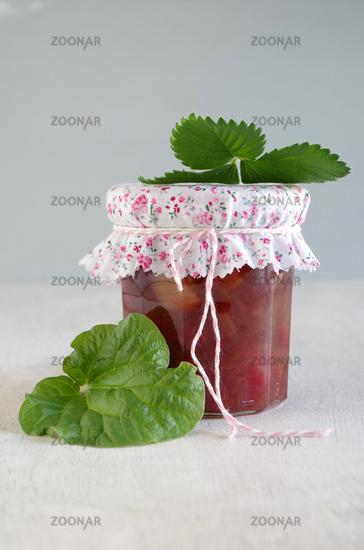 rhubarb strawberry marmalade