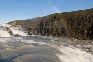 Island, der Wasserfall Gullfoss mit Regenbogen