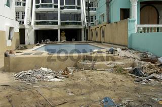 Tsunamischaeden in Patong Beach Phuket , Thailand