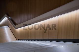 Moderne Treppe in einem Museum