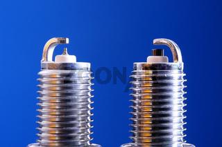 Iridium und Standard Zündkerze im Vergleich