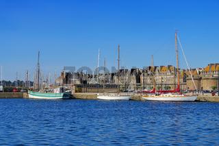 die Stadt Saint-Malo in der Bretagne, Frankreich - walled town of Saint-Malo in Brittany, France