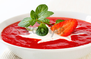 Cold strawberry soup
