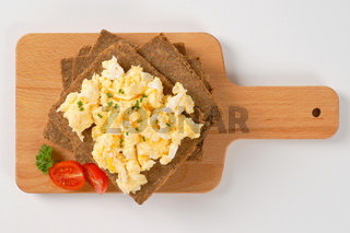 fitness bread with scrambled eggs