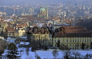 Tschechien, Prag, Praha, Blick vom Petrin-Huegel auf die Kleinse