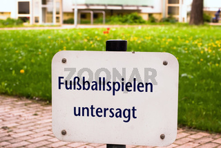 Fußball spielen untersagt V2
