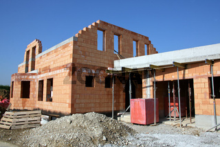 Neubau eines Hauses mit Ziegel