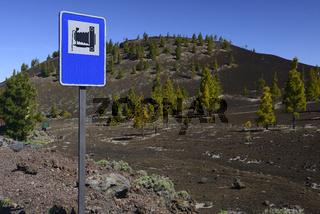 Hinweisschld auf einen besonderen Aussichtspunkt in Vulkanlandsc