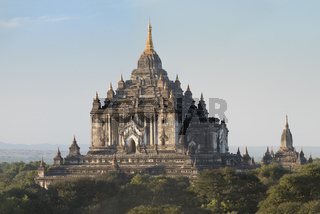 That Byin Nyu Temple in Bagan