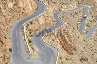 Passstraße im der Dadesschlucht, Atlasgebirge, Marokko, Afrika