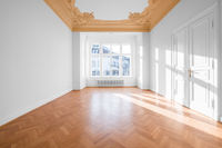 Empty room, flat with stucco ceiling and parquet floor