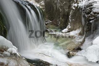 Wasserfall in der Haselschlucht im Nationalpark Kalkalpen, Oberösterreich, Österreich