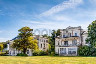 Historische, prunkvolle, ruinierte Bäder-Architektur in Heiligendamm