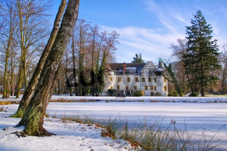Sallgast Schloss im Winter - Sallgast palace in winter