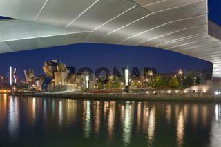 Pedro Arrupe footbridge and Guggenheim museum, Bilbao, Bizkaia, Basque Country, Spain