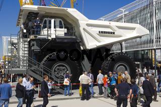 LKW auf Baumaschinen-Messe