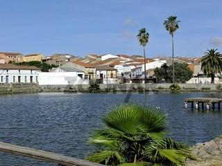 Kleiner See fuer Fischer in La Coronada, Extremadura - Spanien