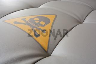 Achtung: Gifte in Polstermöbeln