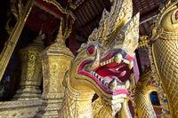 Drachenkopf am goldenen königlichen Begräbniswagen