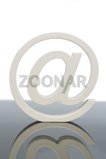 At-Zeichen, Symbol Internetadresse