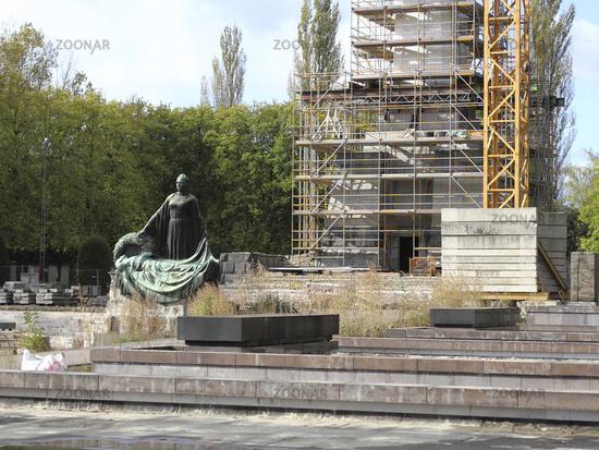 Restoration of the Soviet War Memorial Schoenho