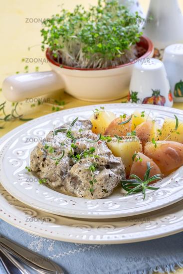 Chicken liver in cream sauce.