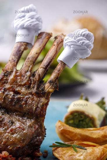 Lamb ribs with cuffs and salad