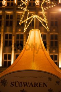 Weihnachtsbude und ein Stern