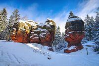 Zittauer Gebirge Kelchstein bei  Oybin im Winter - Chalice Rock (Kelchstein) in Zittau Mountains near Oybin in winter with many snow