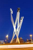 Porsche Platz in Stuttgart Zuffenhausen Deutschland moderne Kunst Kunstwerk Hochformat