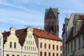 Wismar - Marienkirchturm in der historischen Altstadt, Deutschland