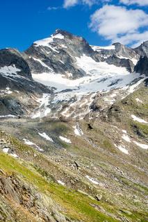 Die Dreiherrenspitze (3499 m) an der Grenze zwischen Italien und Österreich