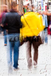 beim Stadtbummel in der Fußgängerzone