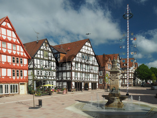 Hofgeismar, Marktplatz mit Fachwerkhäusern