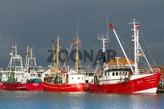 Fischkutter im Hafen von Büsum