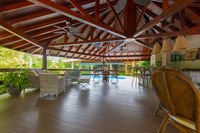 Panama David, American bar with swimming pool