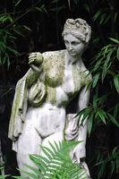 Garden decoration statue Eva with apple