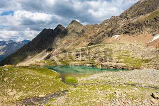 Der malerische Hauersee bei Längenfeld, Ötztal, Tirol, Österrreich